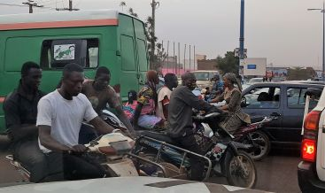 This is a typical scene at a Bamako intersection...